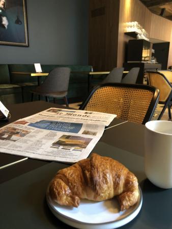 thé et croissant à la Maison Française