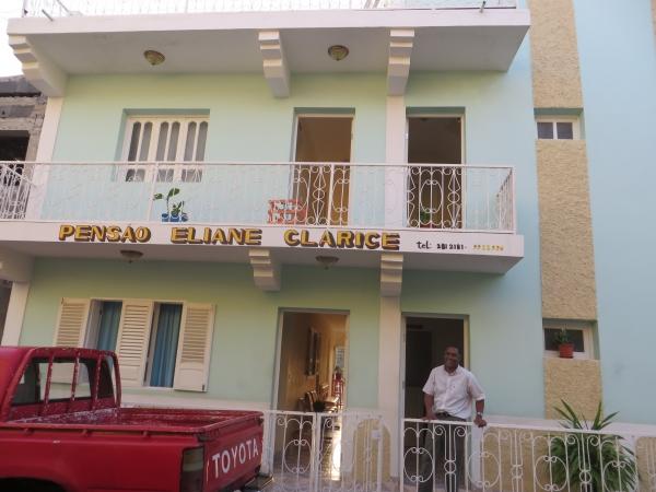 Pensão Eliane Clarice et son propriétaire