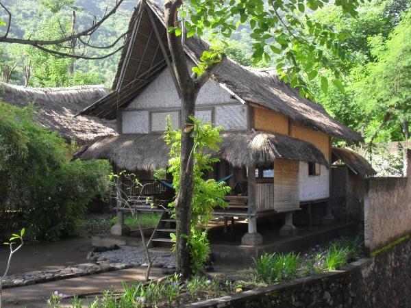 bungalow avec 2 grands lits 350 000 rps