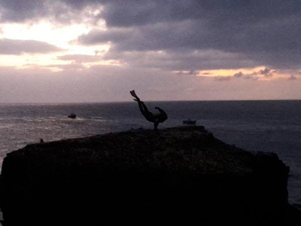 Vue sur le plongeur au coucher du soleil...