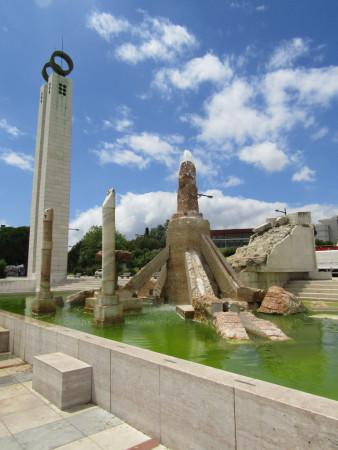 Monument de la Révolution des Oeillets