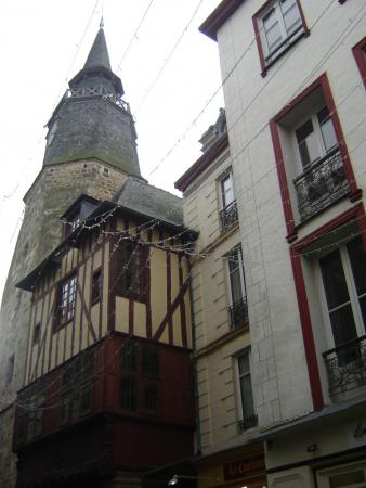 Tour de l'horloge vue sur le côté