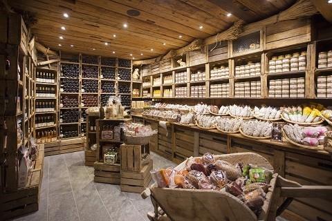coin saucisson-conserve et cave à vin