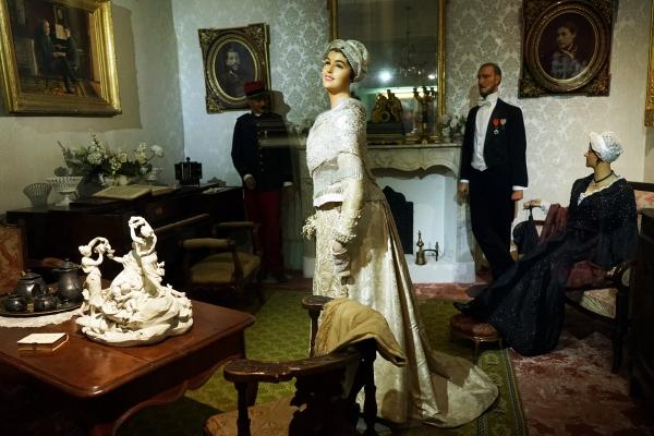 reconstitution des préparatifs d'un mariage bourgeois de la fin du XIXe siècle
