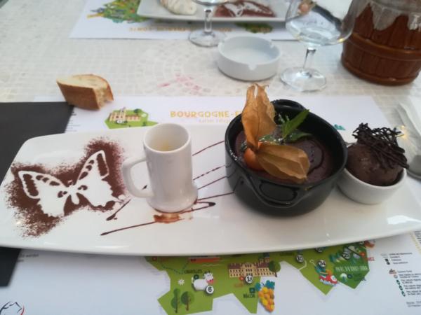 Dessert moelleux au chocolat maison