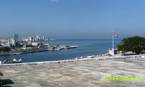 Panorama depuis la forteresse San Carlos de la Cabana