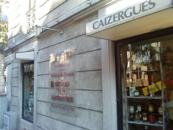 depuis 1951, la plus ancienne épicerie de Montpellier, angle av d'Assas et rue Doria (il y a 1 radar). Ouverte certains lundis am, du mardi au samedi, 9h30 à midi et 14h à 19h30.