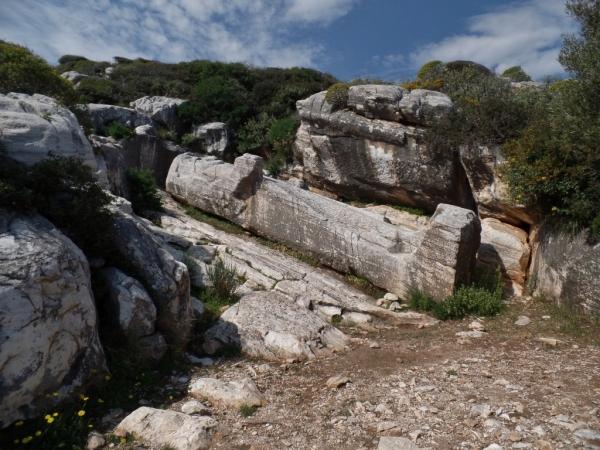 Kouros en marbre