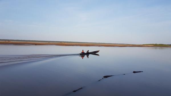 Lever de soleil sur le fleuve Amazone