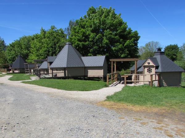 Kotas chalets du camping de la ferme des couts