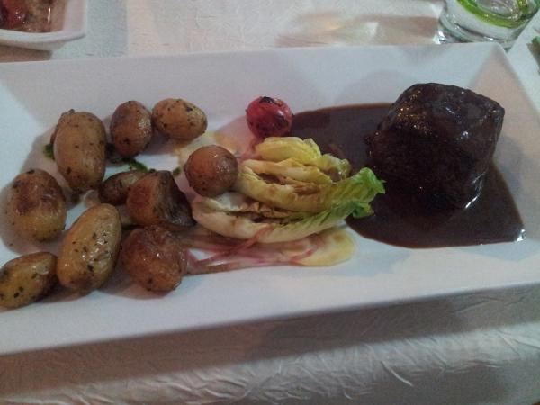Pavé de faux-filet de boeuf et ses pommes de terre grenaille