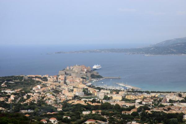 Vue sur la citadelle et la baie de Calvi