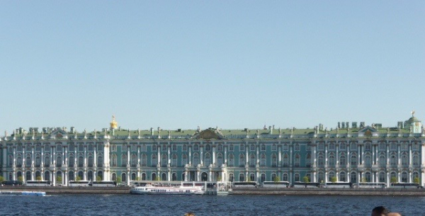 L'Ermitage vu de la Néva