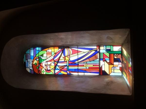 Chapelle Saint-François-de-Paule - vitrail illustrant la vie du saint