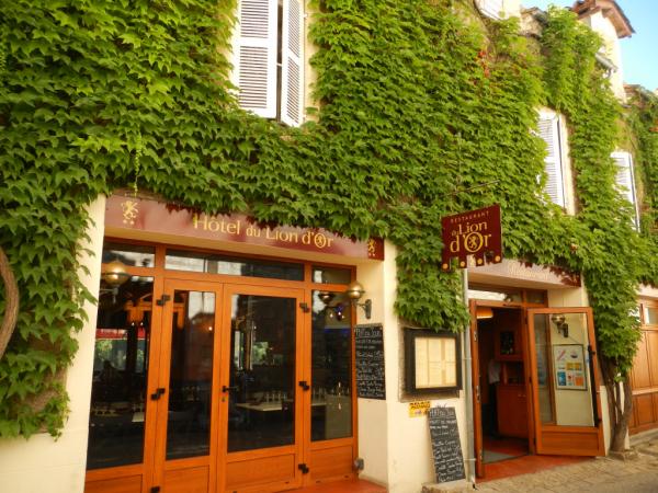 L'entrée de l'Hôtel-Restaurant le Lion d'Or à Rocamadour