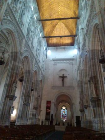 Intérieur de l'église de Saint-Ouen à Pont-Audemer