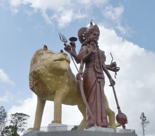 une des 2 statues de l'entrée