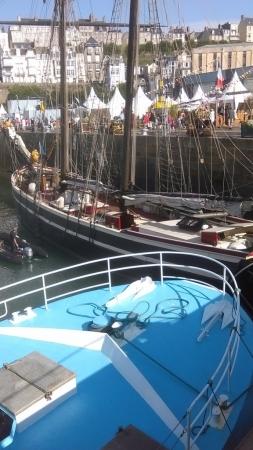 Le Lys Noir dans l'avant port