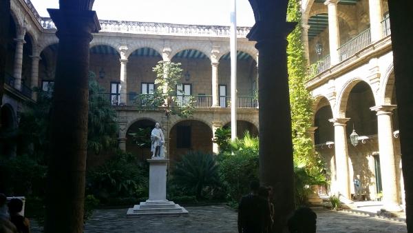 le patio du Palacio Municipal