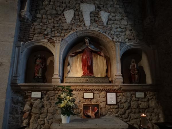 Statues de St André, Vierge de la Miséricorde et Ste Anne 17e siècle