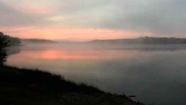 Lever de soleil sur la Lac au Duc.