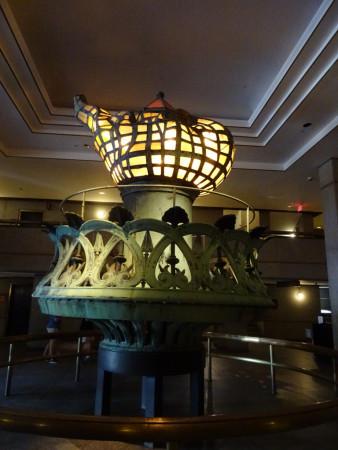 un projet de lampe pour la statue