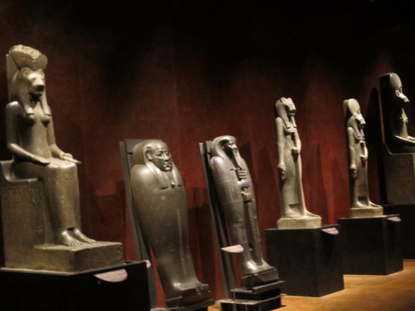 Grande salle des statues
