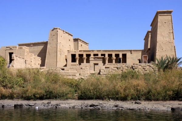 Le temple reconstruit sur l'île d'Aguilkia n'est accessible qu'en bateau.