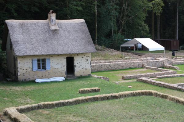 la maison habitée par G BULLIOT qui a fouillé le site au 19ème siècle