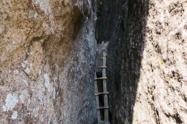 Une petite échelle à escalader