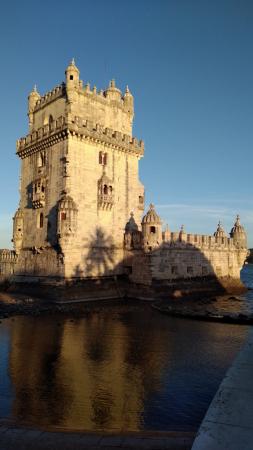 La tour au coucher de soleil