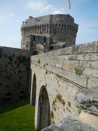 Autre vue du Château de Dinan