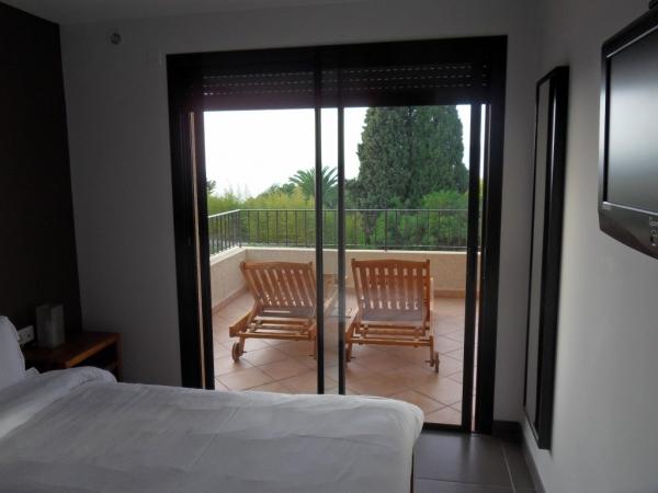 Chambre accédant à la terrasse