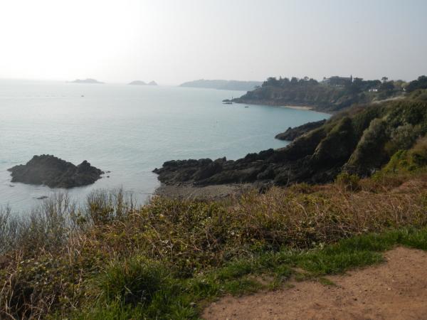 Autre vue sur le chemin de la Pointe du Grouin