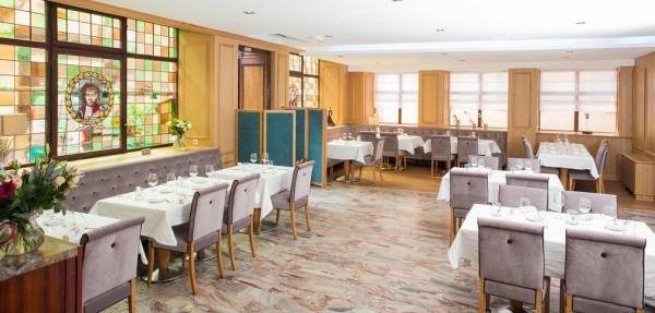 La salle-à-manger contemporaine ( rénovation 2017 )
