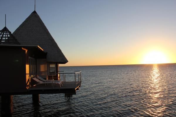 Coucher de soleil mémorable vu de notre terrasse sur pilotis