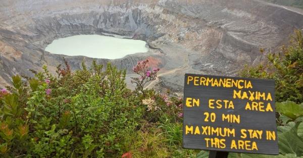 Cratère principal du volcan Poas