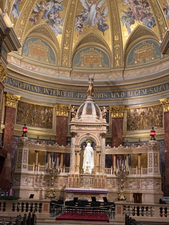 L'intérieur de la basilique