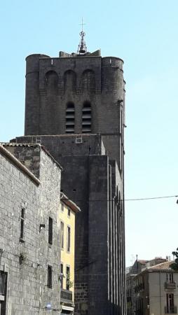 la cathedrale de l'extérieur