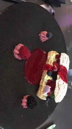 Dessert excellent rien à redire bravo au chef ????????