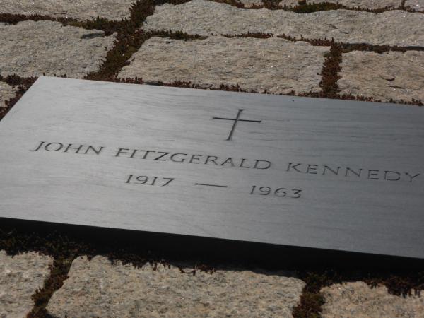 Tombe de JFK.