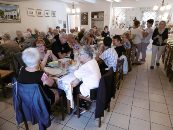Un groupe de retraités repus.