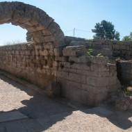Porche du Stadion, Site archéologique d'Olympie, classé en 1989 - Patrimoine mondial de l'UNESCO