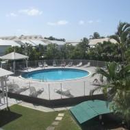 Chambre vue piscine