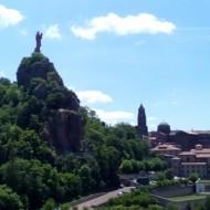 Vue du rocher de la Vierge Marie à l'Enfant depuis le rocher Saint-Michel