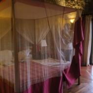 Grand lit double au RDC