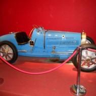 Rare BUGATTI monoplace exposée, des premières heures de gloire de la course automobile.