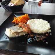 Dos de merlu, riz sauce vierge et julienne de carottes