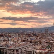 Vue sur les toits de Barcelone depuis la terrasse