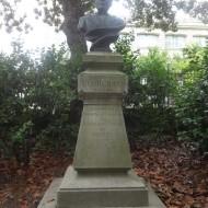 Monument au fondateur du Jardin des Plantes